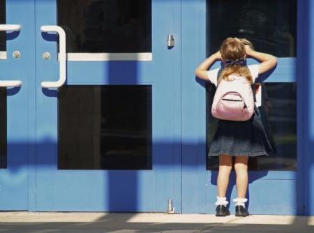 meisje naar school